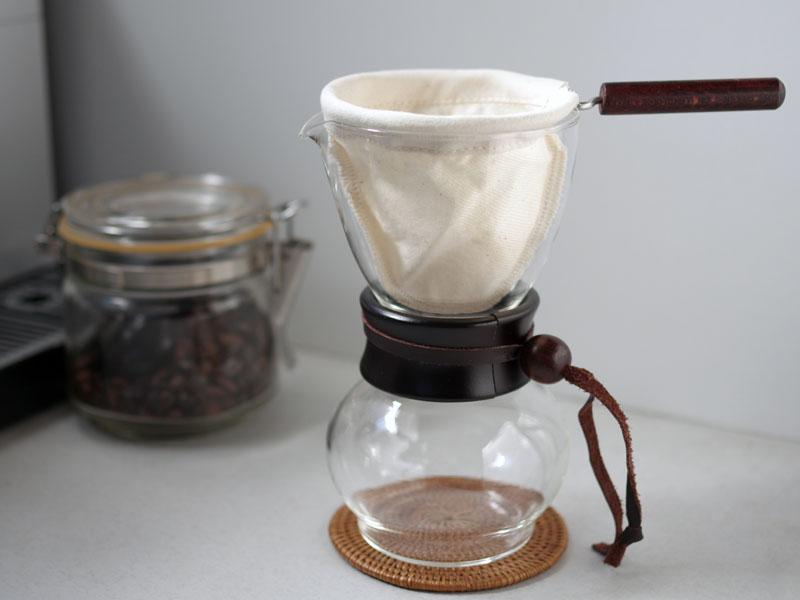 ドリップ ネル ネルドリップコーヒーを簡単に淹れられる自作ネルドリップを開発しました。淹れ方は簡単です
